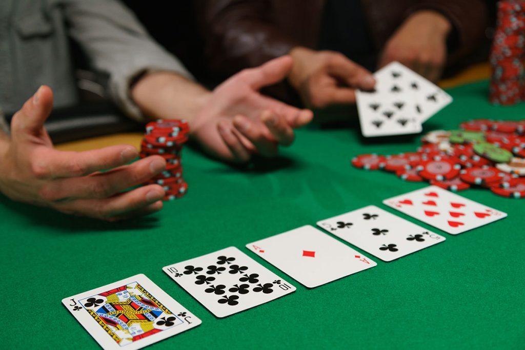 Manfaat Bermain Judi IDN Poker Terpercaya